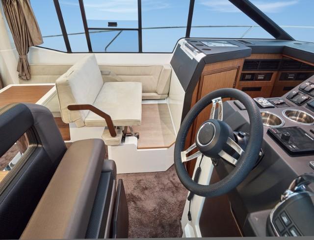 Jeanneau NC 33, Motor Boat, Trogir, 4+2 pax