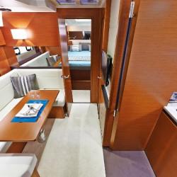 Jeanneau-Leader40-Motor-Boat-Trogir-7pax