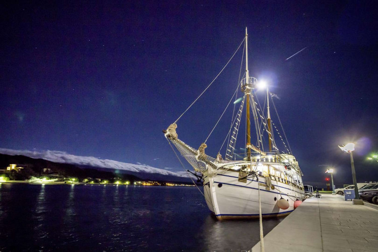Albatros Rijeka 10cabins 22pax 16