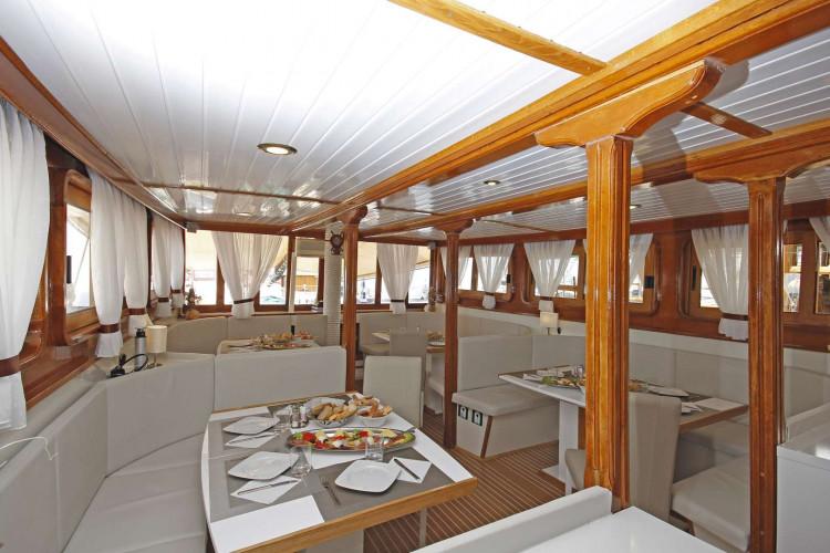 Albatros Rijeka 10cabins 22pax 22