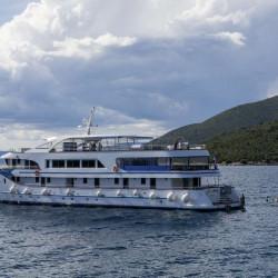 Alpha 19 cabins 40 pax Rijeka 2