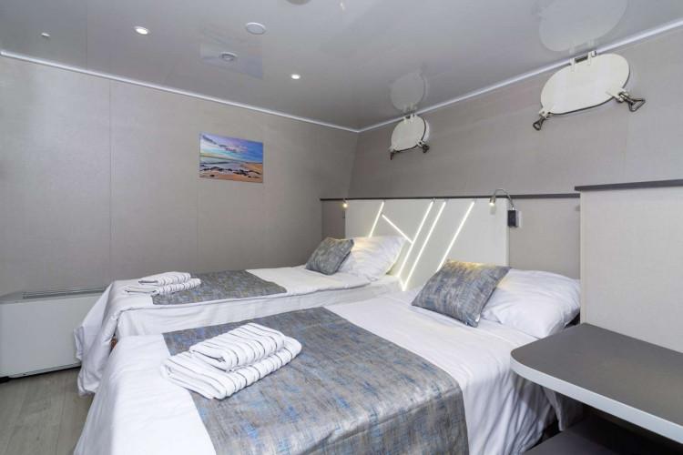 Alpha 19 cabins 40 pax Rijeka 26