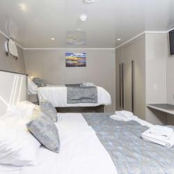 Alpha 19 cabins 40 pax Rijeka 35