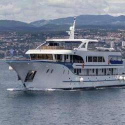 Alpha 19 cabins 40 pax Rijeka 47