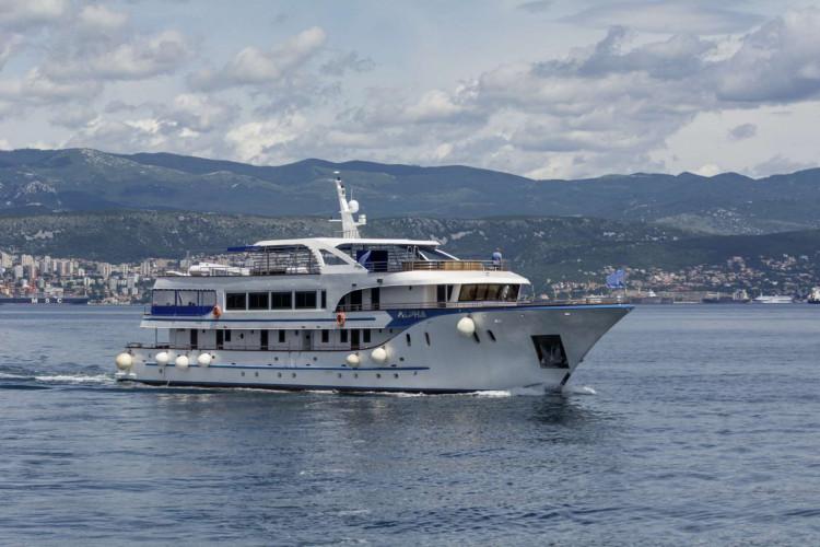 Alpha 19 cabins 40 pax Rijeka 49