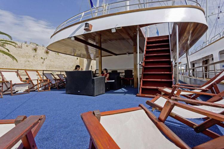 Amore 19 cabins 40 pax Trogir 16