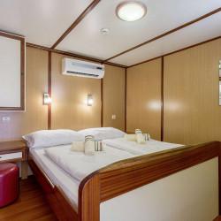 Amore 19 cabins 40 pax Trogir 28