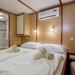 Amore 19 cabins 40 pax Trogir 29