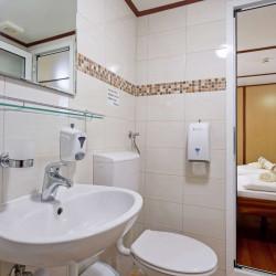 Amore 19 cabins 40 pax Trogir 32