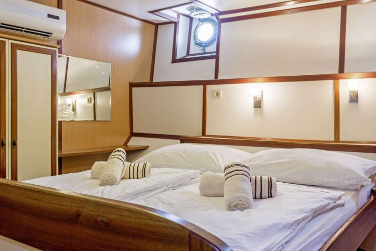 Amore 19 cabins 40 pax Trogir 34