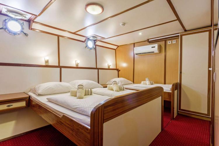 Amore 19 cabins 40 pax Trogir 50