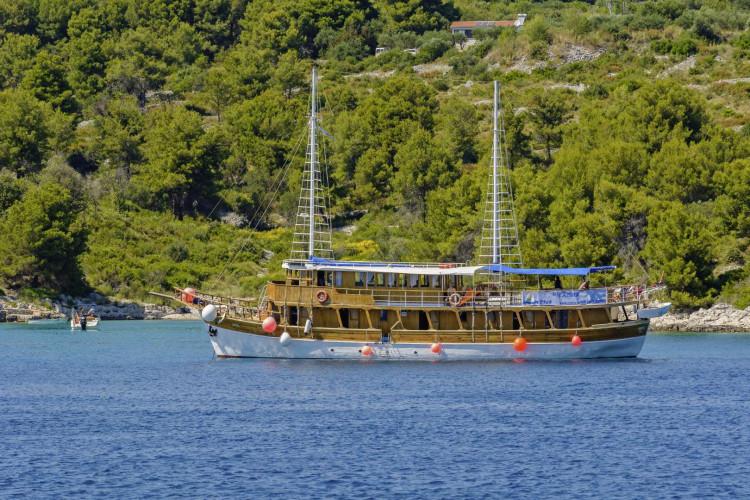 Aneta 15 cabins 32 pax Trogir 14