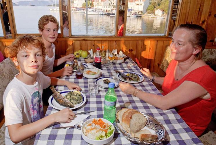 Aneta 15 cabins 32 pax Trogir 36
