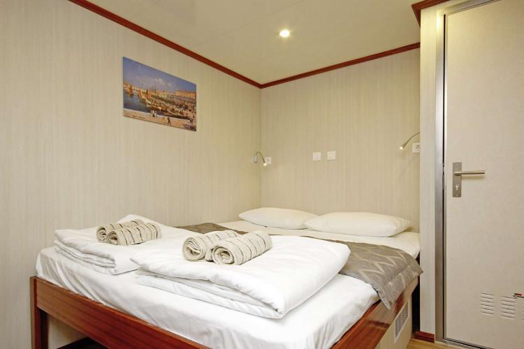 Aria Rijeka 18 cabins 33 pax 32