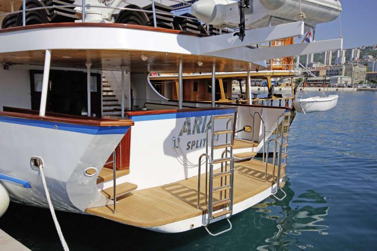 Aria Rijeka 18 cabins 33 pax 4