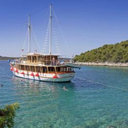 Dalmatino 13 cabins 26 pax Zadar 10
