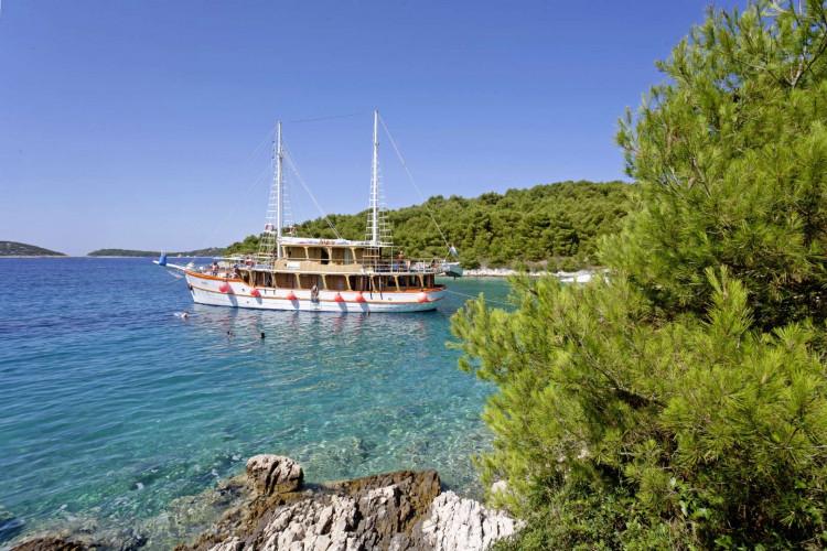 Dalmatino 13 cabins 26 pax Zadar 14
