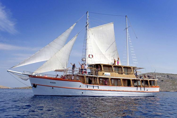 Dalmatino 13 cabins 26 pax Zadar 4