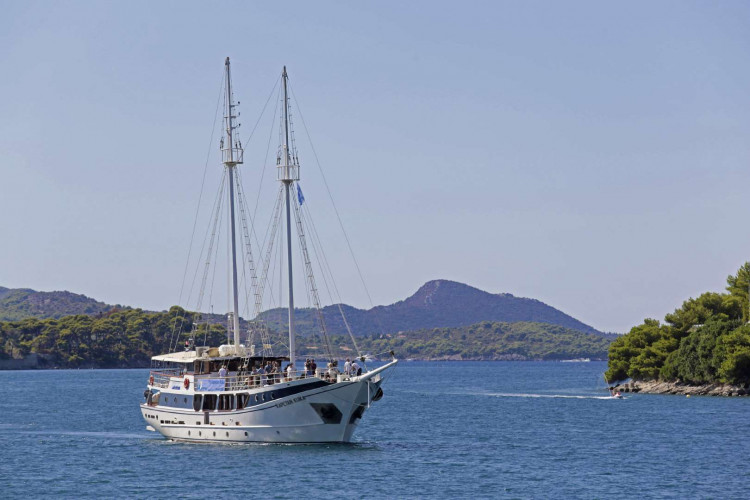 Kapetan Kuka 34pax 13cabins Rijeka 8