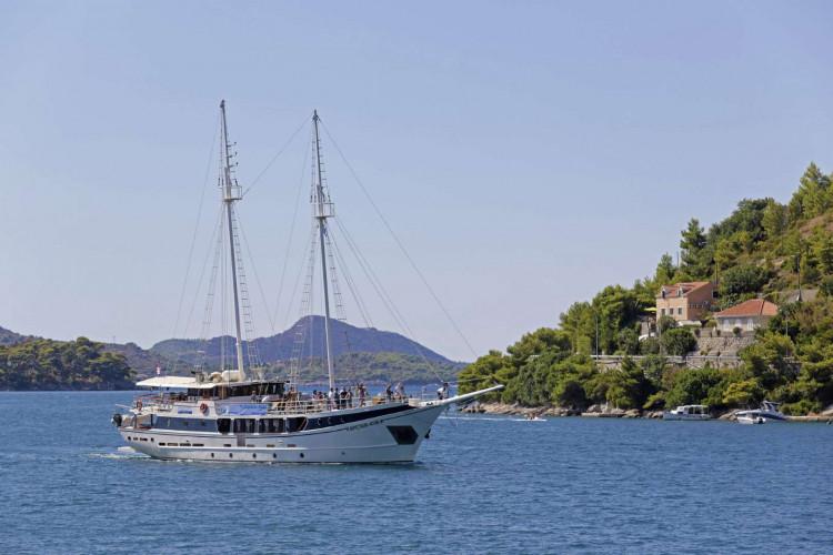 Kapetan Kuka 34pax 13cabins Rijeka 9