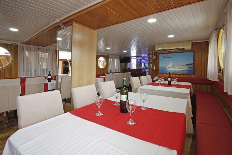 Kazimir 15 cabins 36 pax Zadar 15