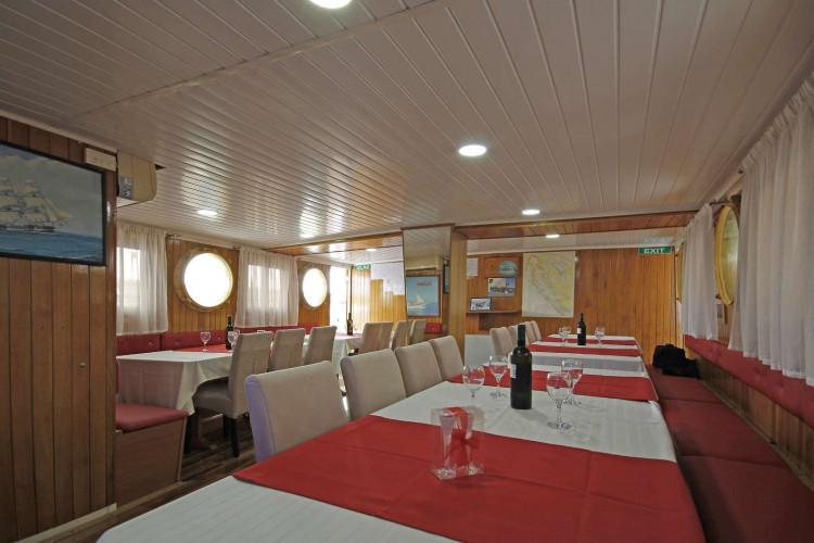 Kazimir 15 cabins 36 pax Zadar 17