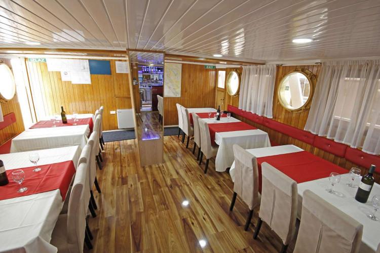 Kazimir 15 cabins 36 pax Zadar 18