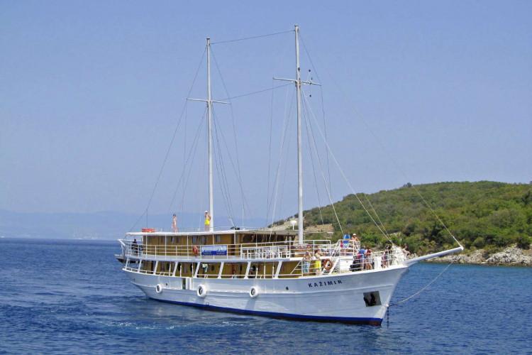 Kazimir 15 cabins 36 pax Zadar 7