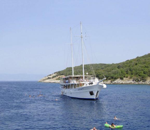 Kazimir 15 cabins 36 pax Zadar 8