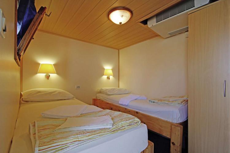 Kruna Mora 16 cabins 35 pax Zadar 29