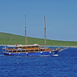 Kruna Mora 16 cabins 35 pax Zadar 4