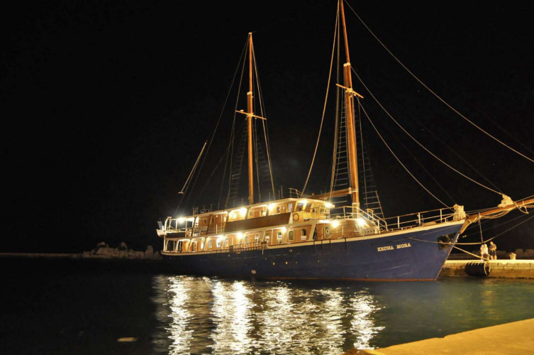 Kruna Mora 16 cabins 35 pax Zadar 7