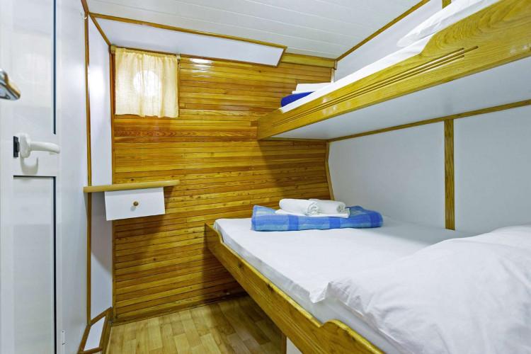 Mirabela 11 cabins 26 pax trogir 31