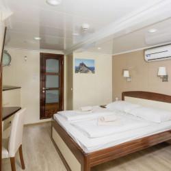 Mystic 19 cabins 40 pax Trogir 100