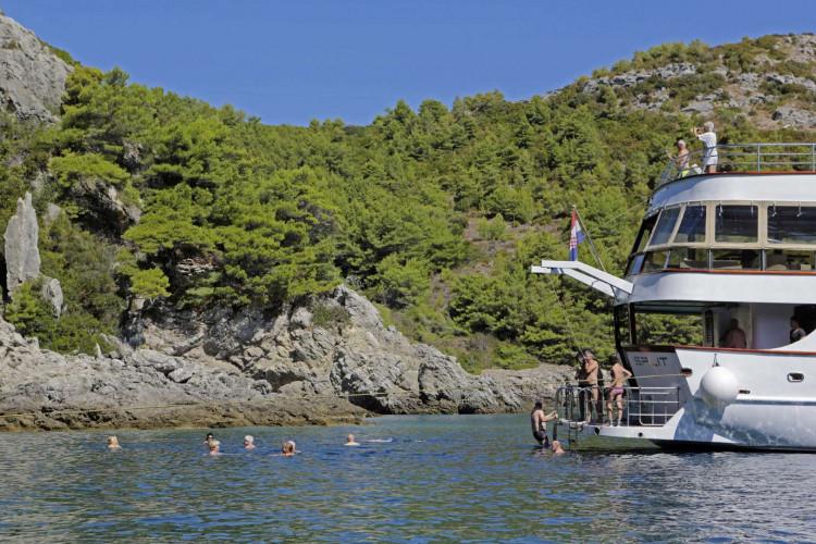 Mystic 19 cabins 40 pax Trogir 36