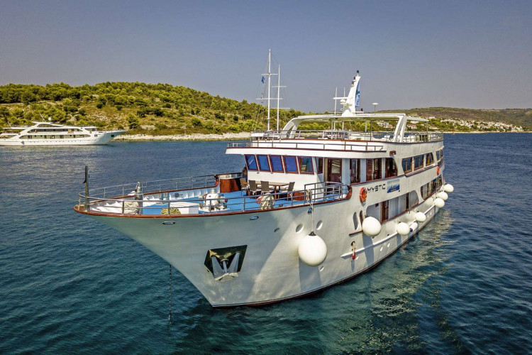 Mystic 19 cabins 40 pax Trogir 7