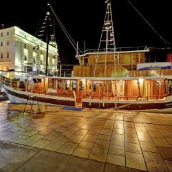 Orkan 10 cabins 20 pax Trogir 11
