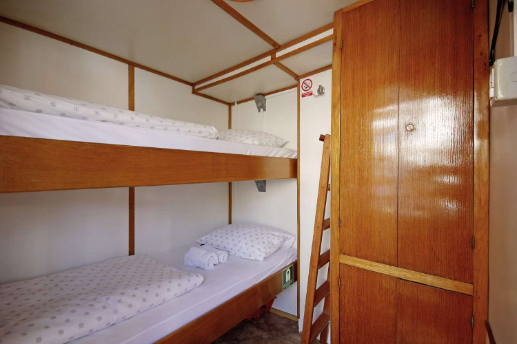 Orkan 10 cabins 20 pax Trogir 22