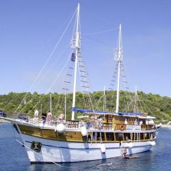 Otac Ivan 17 cabins 3 pax Trogir 11