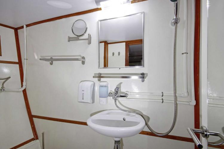 Otac Ivan 17 cabins 3 pax Trogir 48