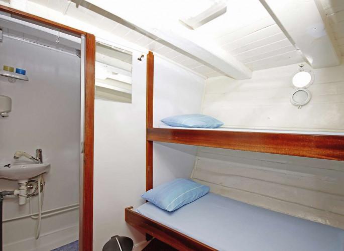 Pravedan 7 cabins 14 pax Trogir 24