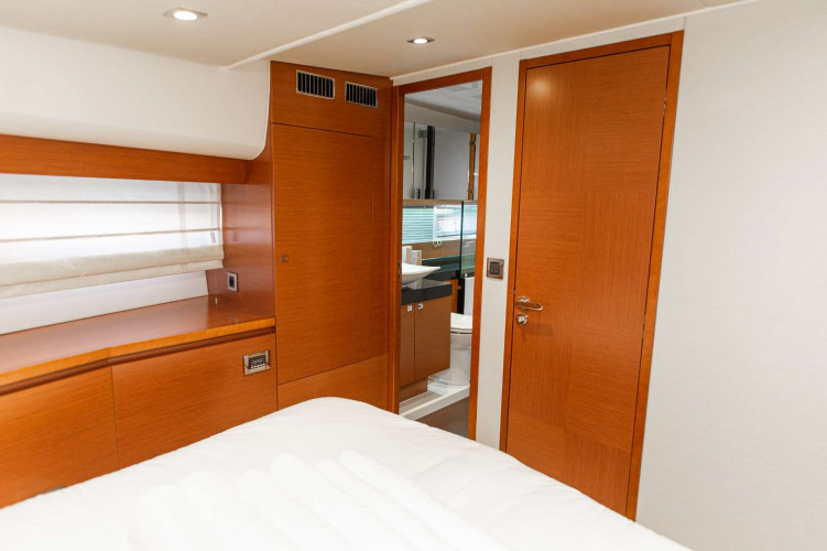Prestige 550S Atonika 7pax Sibenik motor yacht 12