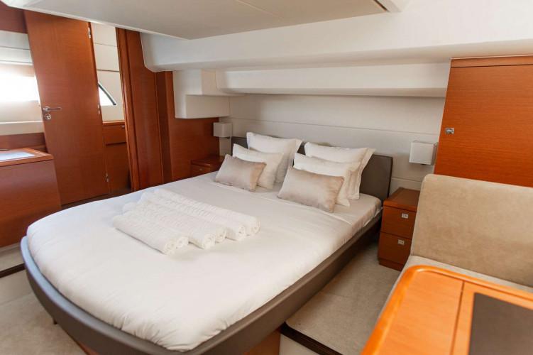 Prestige 550S Atonika 7pax Sibenik motor yacht 18