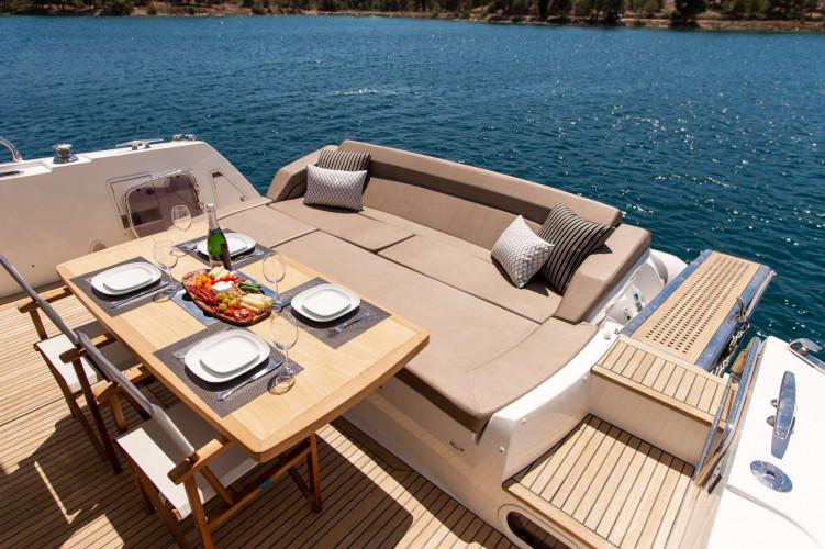 Prestige 550S Atonika 7pax Sibenik motor yacht 29
