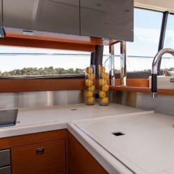 Prestige 550S Atonika 7pax Sibenik motor yacht 35