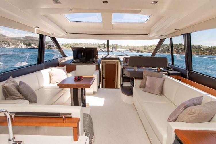 Prestige 550S Atonika 7pax Sibenik motor yacht 39