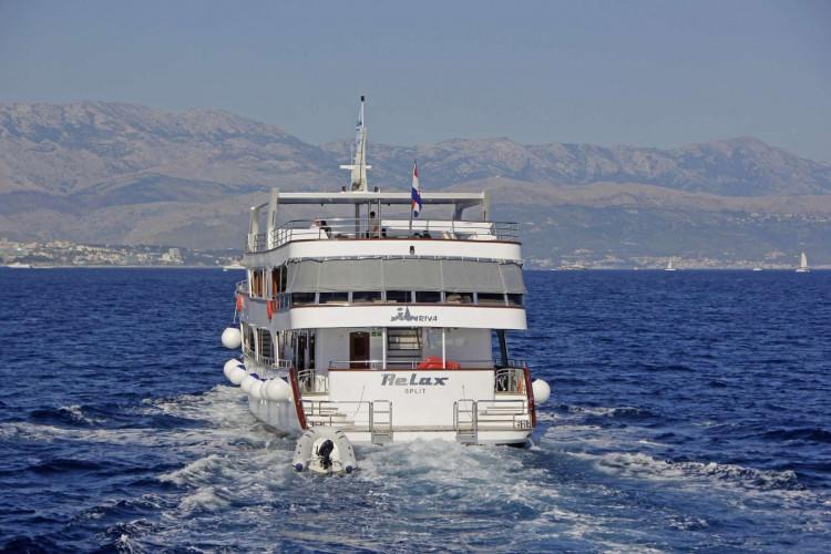 Relax 19 cabins 40 pax Trogir 34