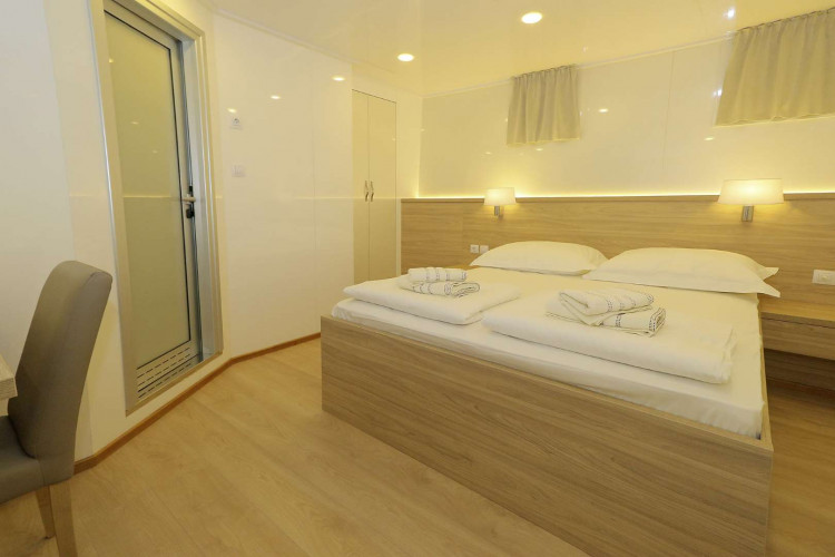 Relax 19 cabins 40 pax Trogir 62