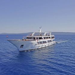 Relax 19 cabins 40 pax Trogir 7