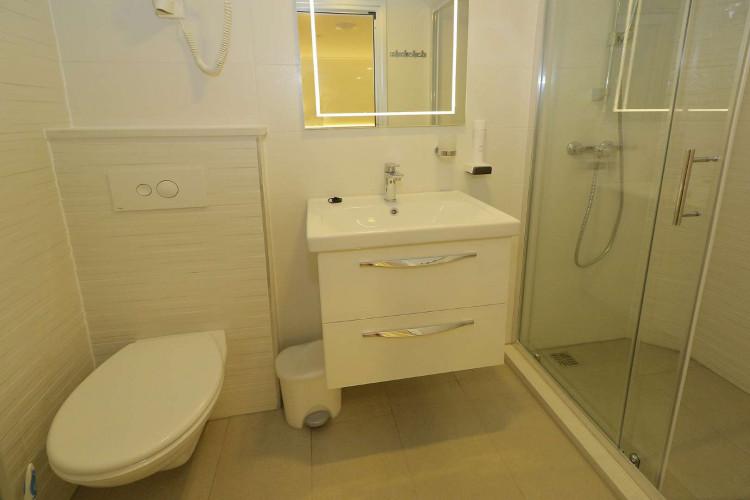 Relax 19 cabins 40 pax Trogir 74